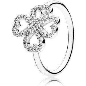 NWOT Pandora petals of love ring.